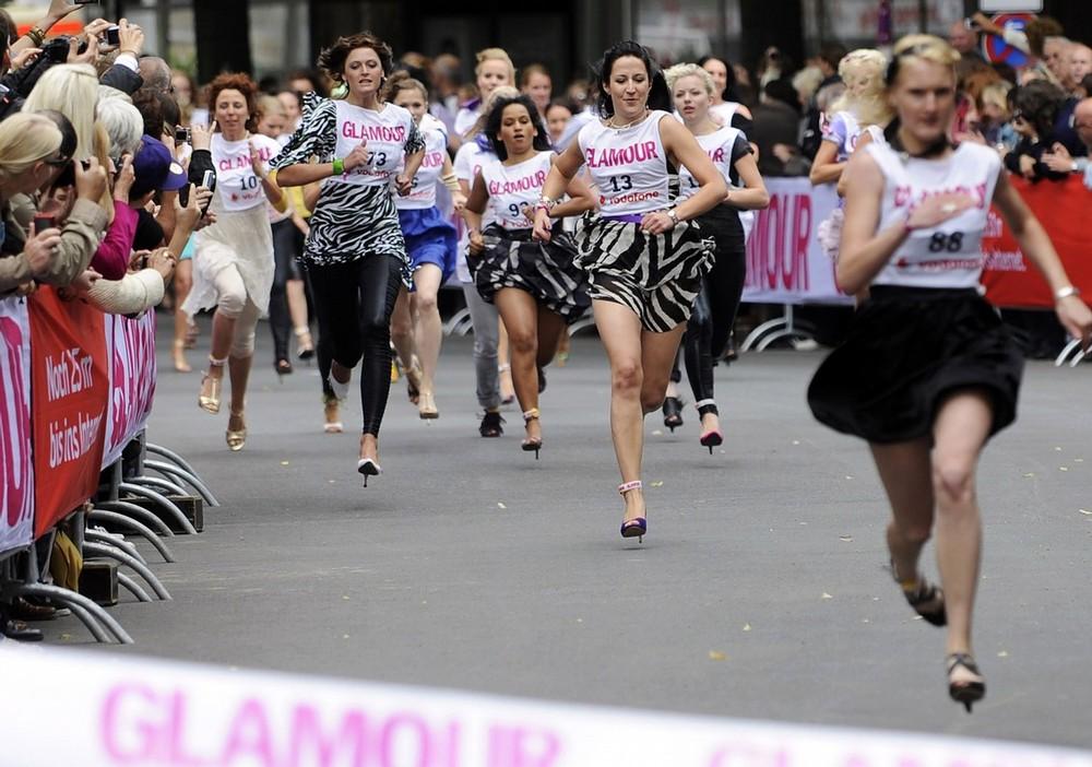 9) К слову, действующий мировой рекорд в беге на 100 метров среди женщин составляет 10,49 секунды. (BERTHOLD STADLER/AFP/Getty Images))