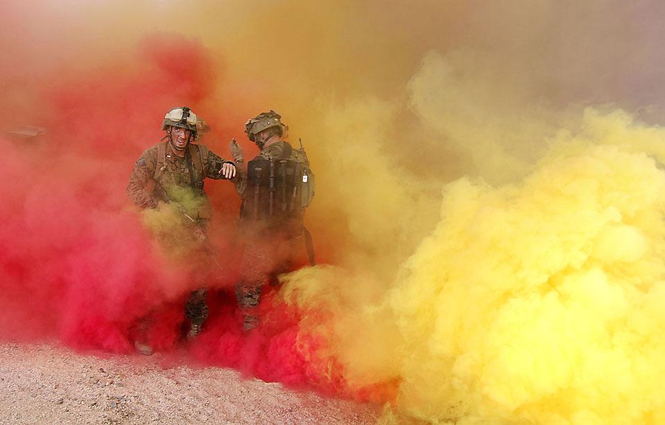 1) Морская пехота США приняла участие в городских учениях совместно с австралийскими силами в австралийском городе Рокхэмптон. (Ian Hitchcock/Getty Images)