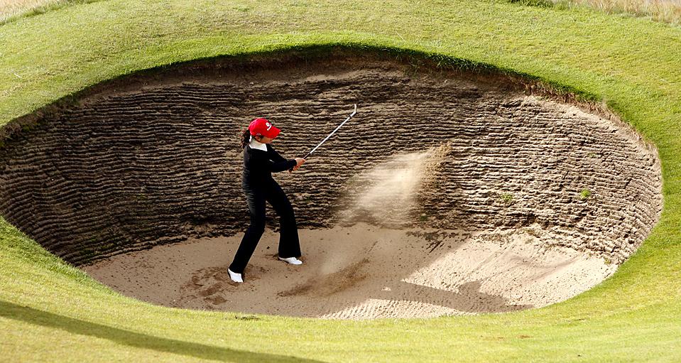 12) Гольфистка Лорена Очоа в ходе первого раунда Британского Открытого чемпионата по женскому гольфу в Роял Литам и Сан-Аннс, Англия. (Peter Morrison/Associated Press)
