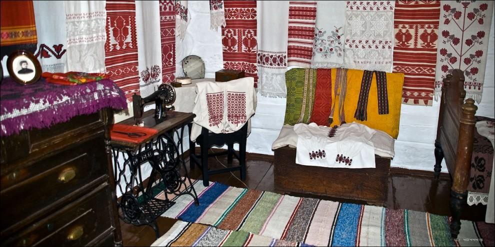 10) Интерьер комнаты Надежды Константиновны Крупской.