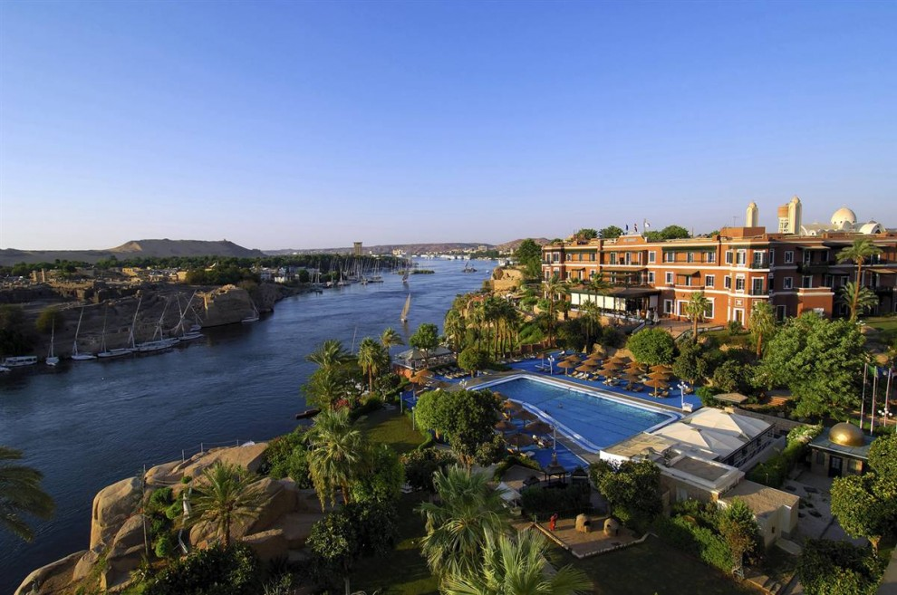 12) Отель «The Old Cataract» (Старый Водопад) в городе Асуане расположен на вершине холма, благодаря чему из окон открывается вид на реку Нил. (Bertrand Rieger/Hemis.fr)