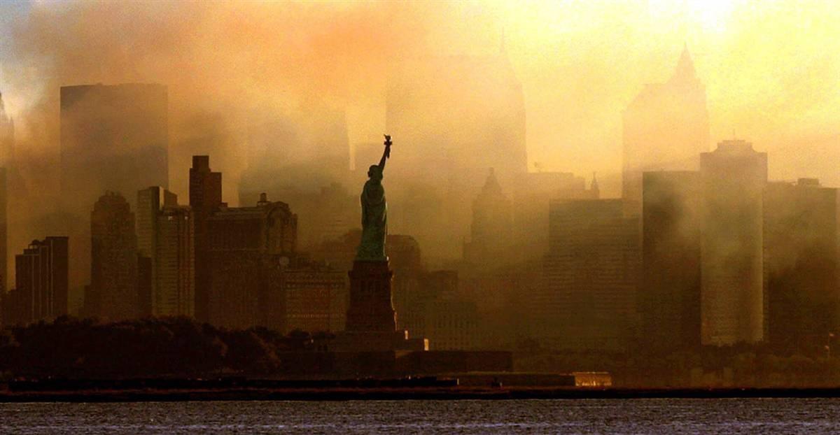 2009070f Статуя Свободы: прошлое и настоящее