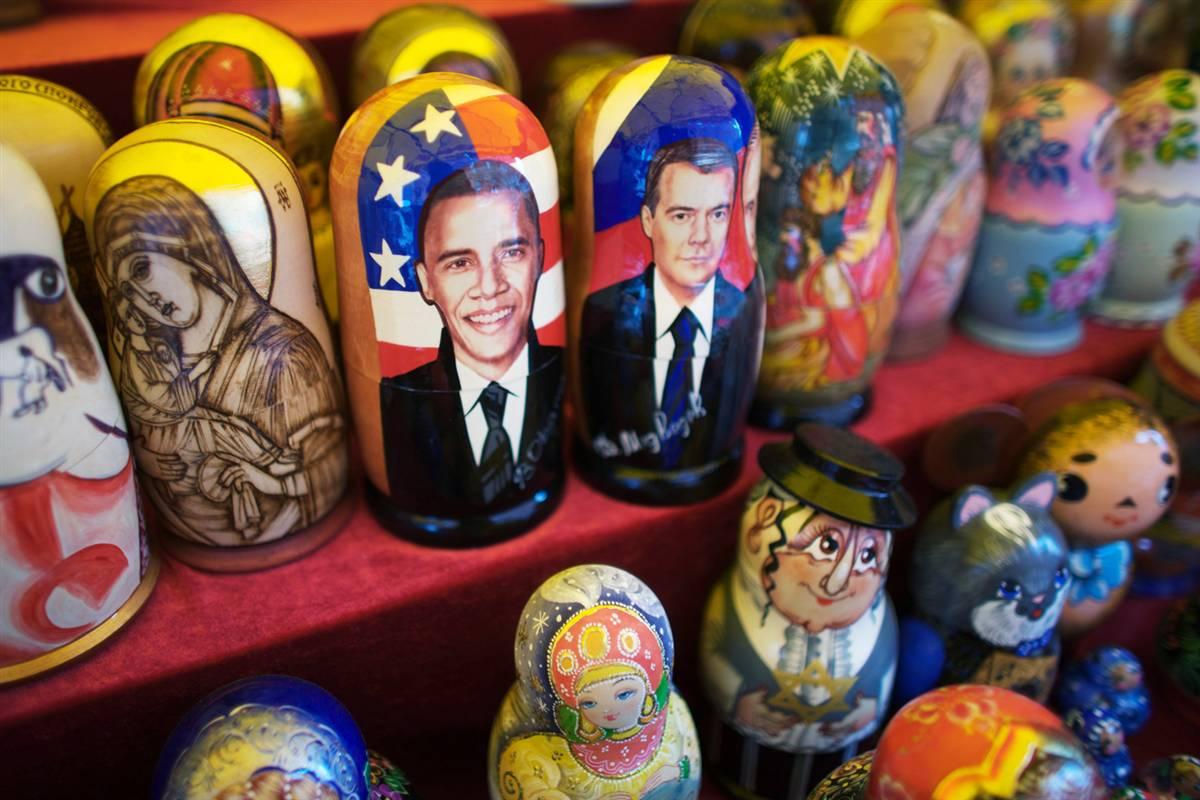 13) Матрешки с изображениями президентов Медведева и Обамы. (Oleg Nikishin/Getty Images)