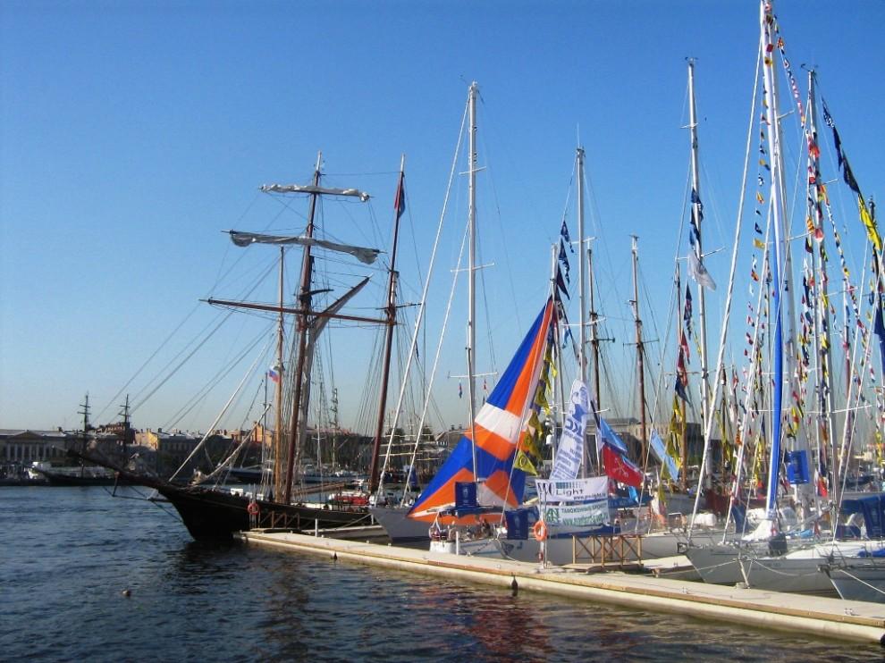 2) В прошлом году регата заходила в Берген, в этом году один из этапов проходил на Балтике.