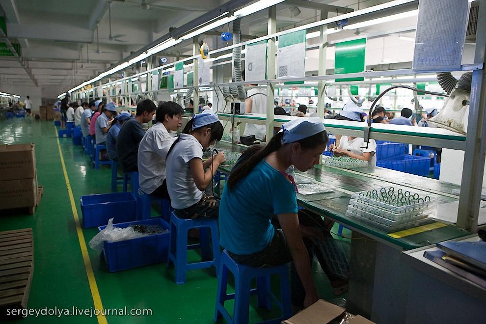 У нас часто пишут, что Китай практически не пострадал от кризиса. Судя по отзывам фабрикантов - это не так. Все они называли примерно одинаковые цифры.