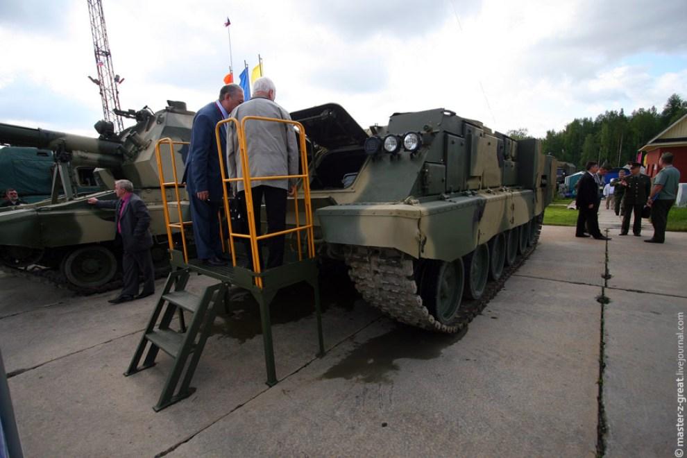 33) Так же иностранцы были заинтересованы новым универсальным шасси, на которое можно установить хоть башню танка, хоть артиллерийскую установку.
