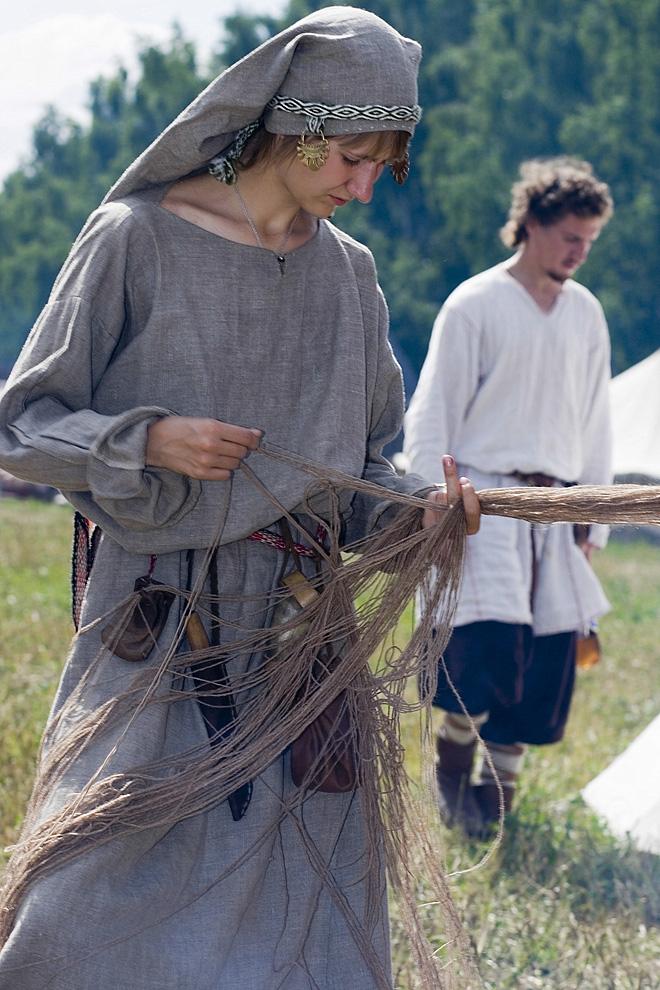 Ткание холста и хлебопашество - занятия древности