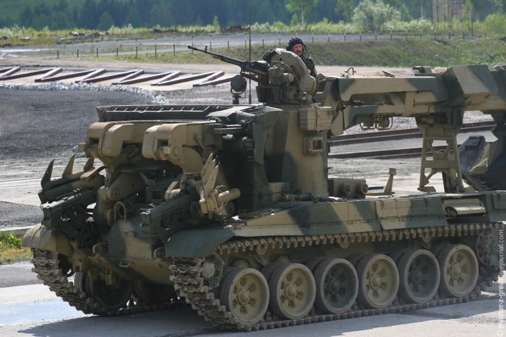 45) Инженерная машина разграждения.