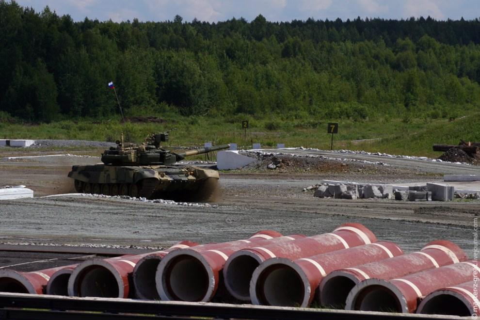 58) На полигон наконец-то выходит гордость Отечества - Танк Т-90.