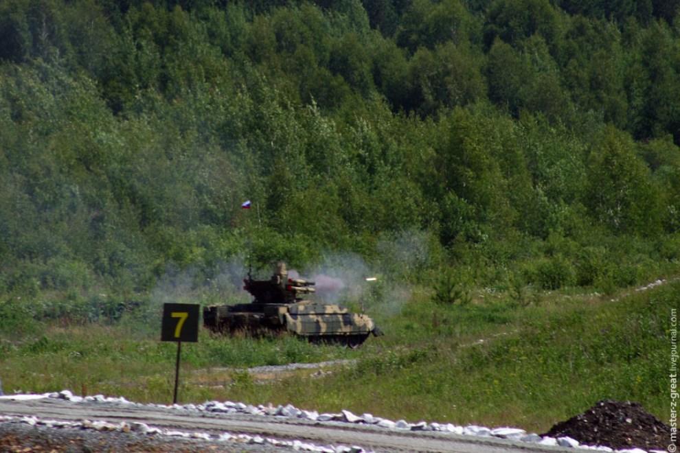 68) Момент пуска ракеты БМПТ.