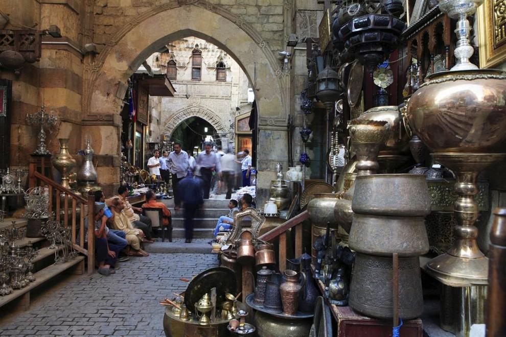 7) Хан-эль-Халили считается самым большим торговым районом Каира. (Gardel Bertrand/Hemis.fr)