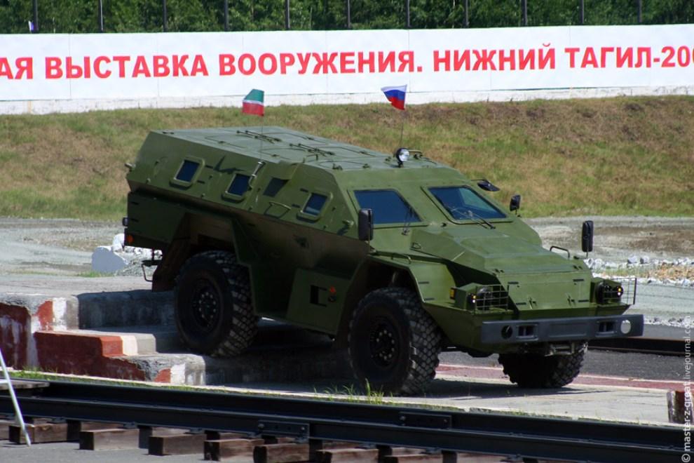75) Бронеавтомобиль КАМАЗ-43269.