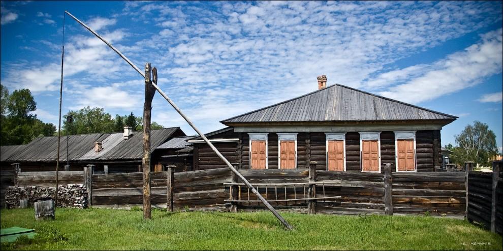 8) Домик, в котором жил в ссылке В.И.Ленин.