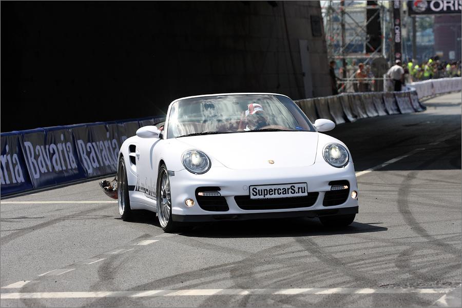 Парад автомобилей: Porshe 911 turbo кабриолет в кузове 997.