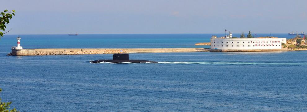 """9) """"Алроса"""" - единственная действующая подводная лодка на Черноморском флоте."""