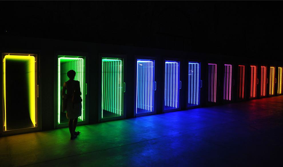 Инсталяция чилийского художника Ивана Наварро под названием «Death Row» («Предсмертный ряд»), Венеция 3 июня 2009 (ALBERTO PIZZOLI/AFP/Getty Images)