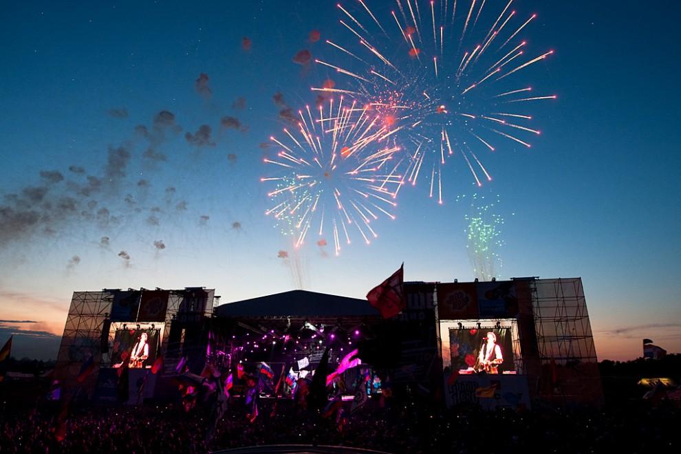 Завершением фестиваля стал грандиозный фейерверк.