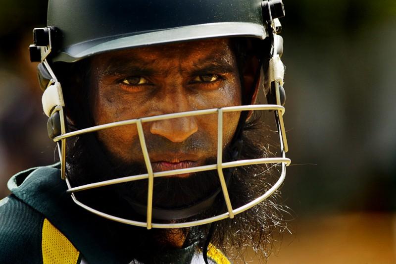 11) Пакистанец Моххамед Юсаф во время второго отборочного матча по крикету между командами Пакистана и Шри-Ланки 10 июля в Коломбо, Шри-Ланка. (AP Photo/Gurinder Osan)