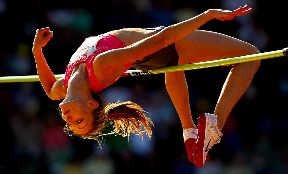 4) Дидре Муллен выполняет прыжок в высоту на Чемпионате США на Hayward Field в Юджине, штат Орегон, 25 июня. (Matthew Stockman/Getty Images)