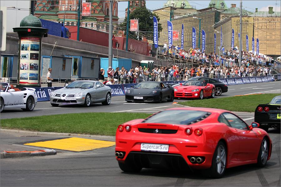 Как заявил вчера на пресс-конференции, посвященной проведению шоу Bavaria Moscow City Racing г-н Макаров, проблем с организацией соревнований московские чиновники не видят.