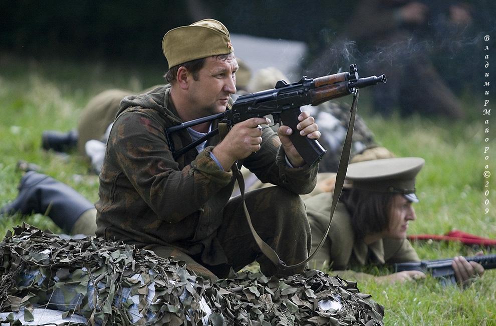7) Солдаты идут в бой
