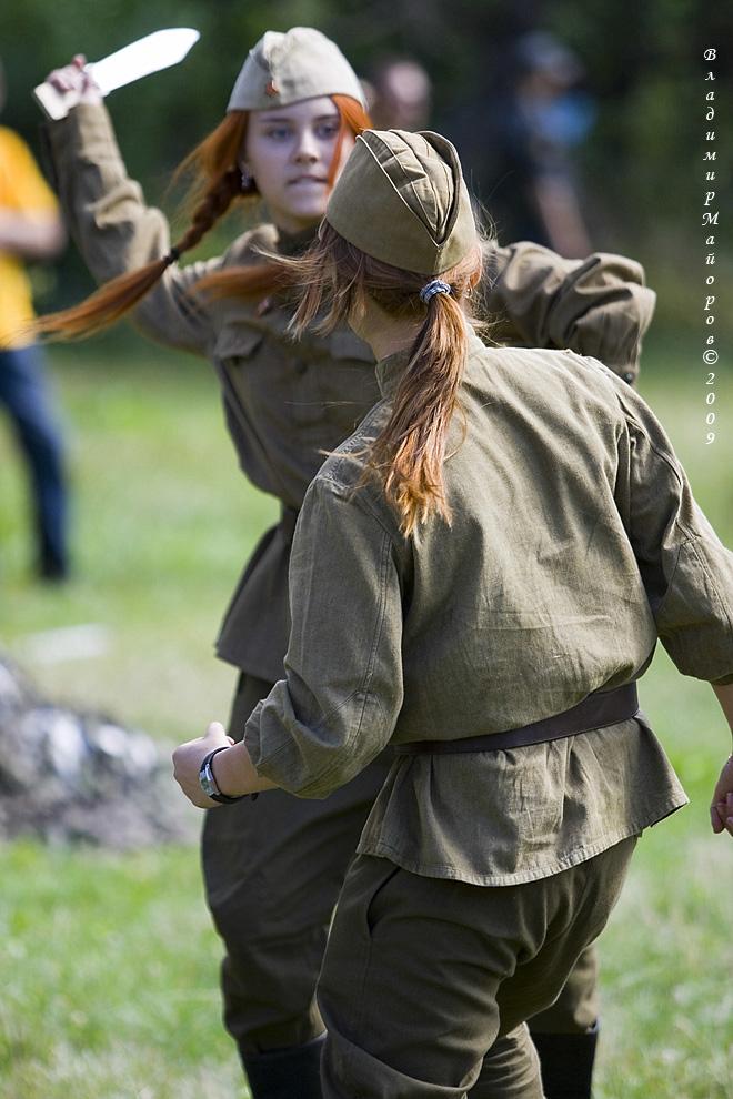 1) Девушки-каскадеры – ловкость  и грация