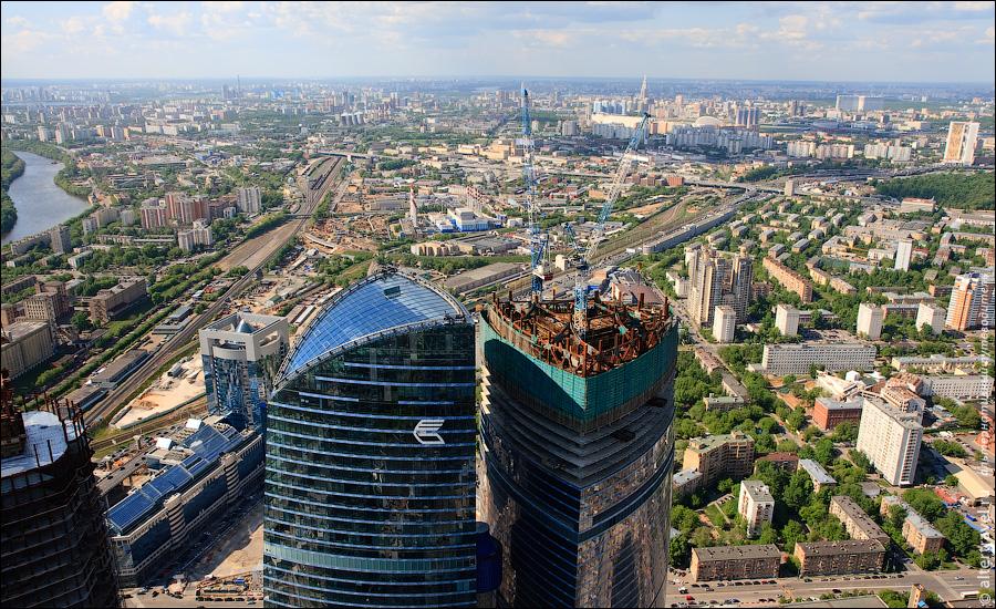 5) Вид на соседствующую башню Федерация.
