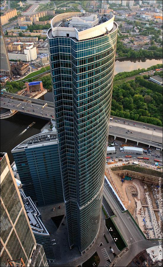 1) Понастроили тут понимаешь ли, еле в кадр влазит. Самая высокая Башня С, комплекса Башни на Набережной.