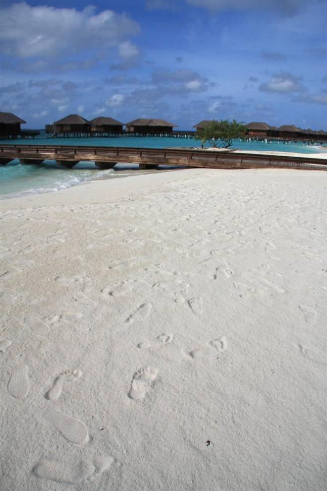 ) Мальдивские острова, расположенные в Индийском океане состоят из 1,192 островов, и только 200 из них обитаемы. Основная статья доходов Мальдивских островов – туризм, который занимает 30% в валовом внутреннем продукте. (John Goh / Reuters)