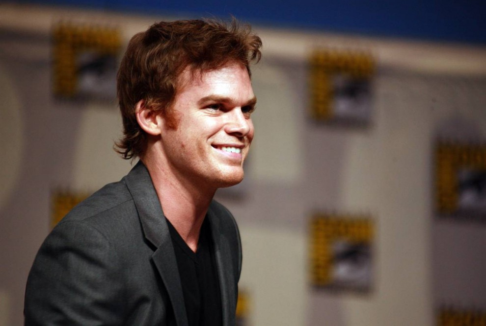 29) Майкл С. Холл, сыгравший роль гениального серийного убийцы в сериале «Декстер», демонстрирует загадочную улыбку своего героя на фестивале Comic-Con. (Wendy Redfern/Getty Images)