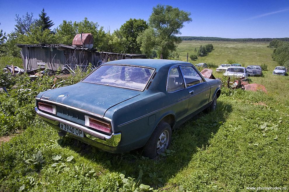 5) Двухдверный «Форд Гранада» начала 80-х годов.