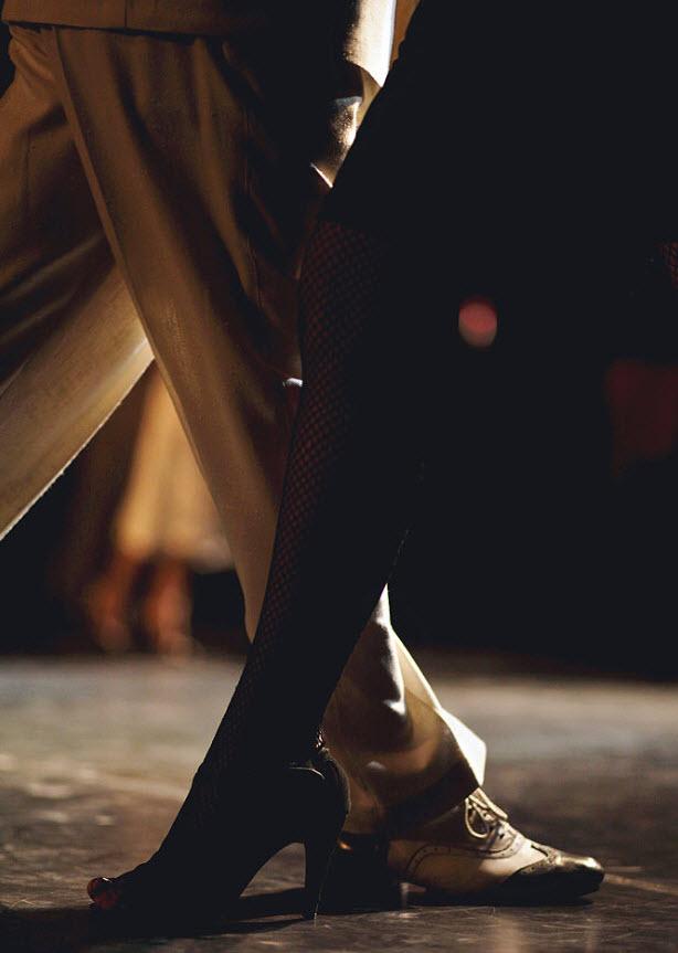 6. На снимке: пара танцует во время квалификационного раунда в Буэнос-Айресе 24 августа. (Natacha Pisarenko, AP)