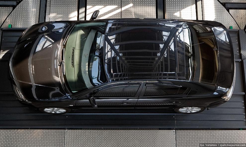 7) На каждом этаже МАП, начиная со 2-го можно разместить 4 автомобиля, на первом – 2. Также на первом этаже находятся комнаты оператора, клиента, автоматическая система пожаротушения и щитовая.