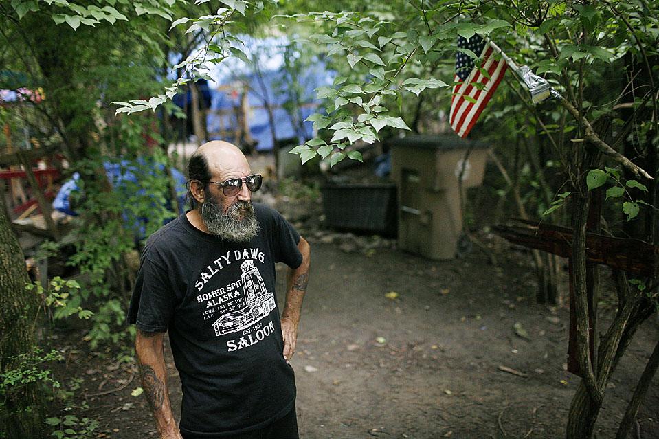 14) Согласно статистике в Нашвилле насчитывается 4 000 бездомных и всего 765 коек предназначенных для них. Но скоро, возможно, будет доступно еще немного мест. Штат Теннеси получит 53 миллиона долларов от федеральных органов, чтобы помочь в развитии доступного съемного жилья по всему штату. (Josh Anderson for The Wall Street Journal)