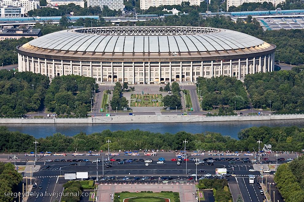 12) Спорт-комплекс Лужники и смотровая площадка.