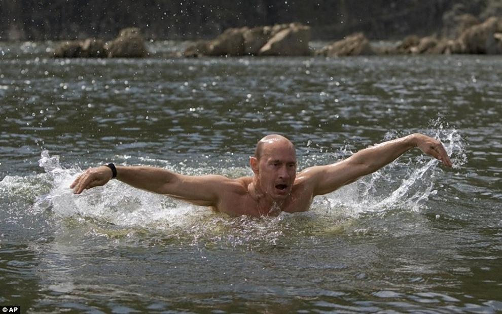 1) Владимир Путин взял денек отпуска, чтобы отдохнуть в Республике Тыва. И снова разделся.