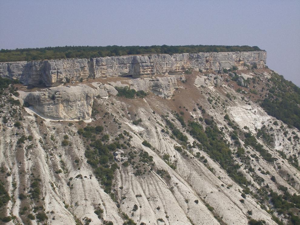 13) Соседнее плато.