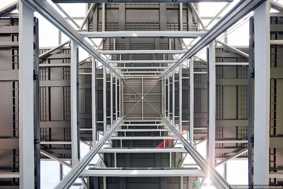 17) Вид на платформу снизу.