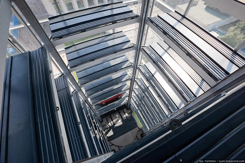 19) Вид на платформу сверху.