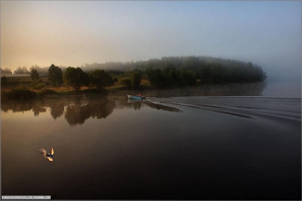 19) Утренний туман над рекой.