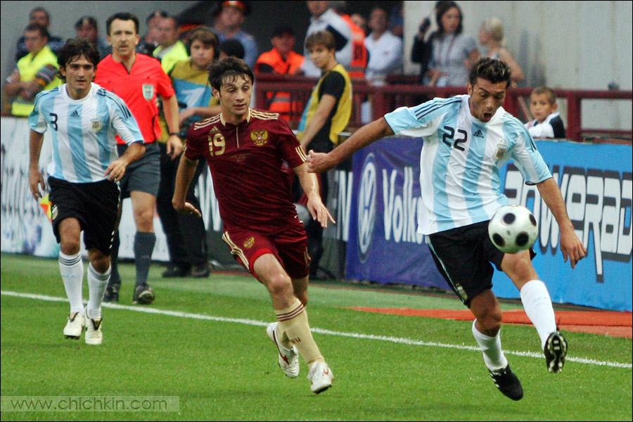 20) А аргентинцы и не думали останавливаться.