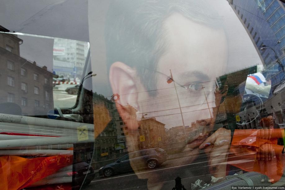 21. За всем этим из УАЗика Солидарности наблюдал Ходорковский.