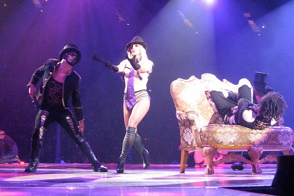 Вторая условная часть шоу проходила под знаком азиатских мотивов, навеянных Бритни Китаем и Индией. Затем певица вспомнила старые песни, однако хиты Crasy, Oops! I did It Again, I'm not a Girl, за которые основная часть зрителей по всему миру ее и полюбила, она так и не исполнила. В Москве Бритни Спирс пела под фонограмму, однако звук на концерте был прекрасным.