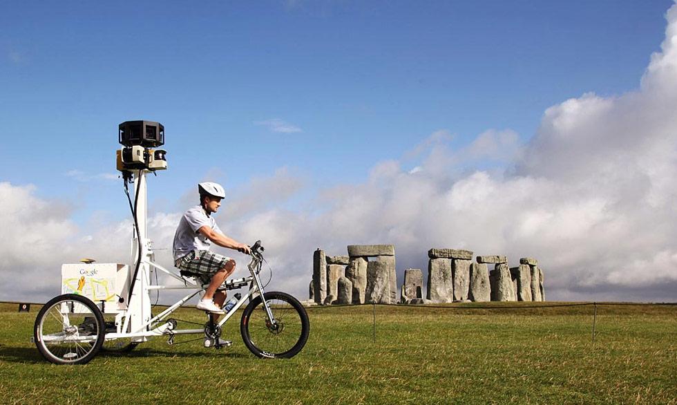 38. Британская публика выбрала шесть главных достопримечательностей, которые они хотели бы видеть на фотографиях на сервисе Google Street View Trike. На этом снимке Street Trike фотографирует Стоунендж 13 июля. (Gareth Davies/Getty Images)