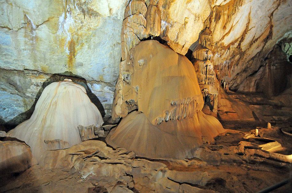 3848740447 5c88d72fd2 o1 Мраморная пещера в Крыму