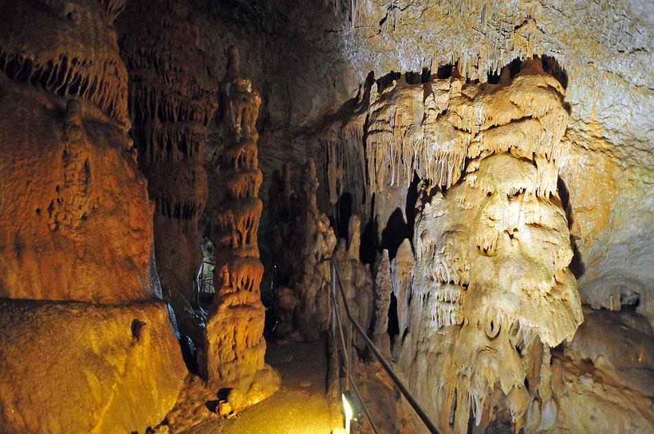 3848741447 742846aa65 o1 Мраморная пещера в Крыму
