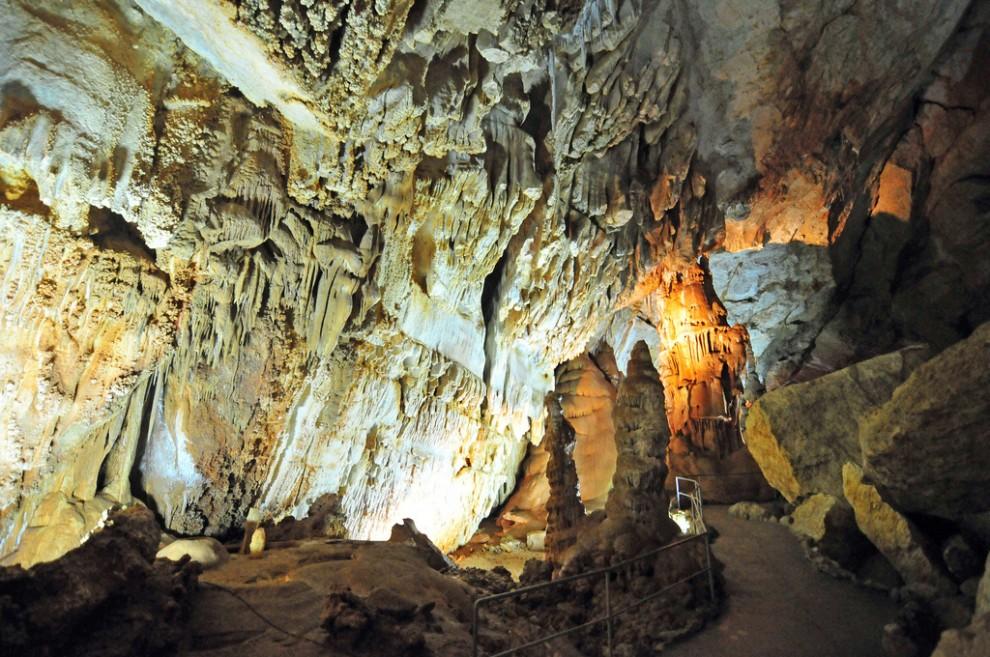 3849535054 77d3862147 b 990x657 Мраморная пещера в Крыму