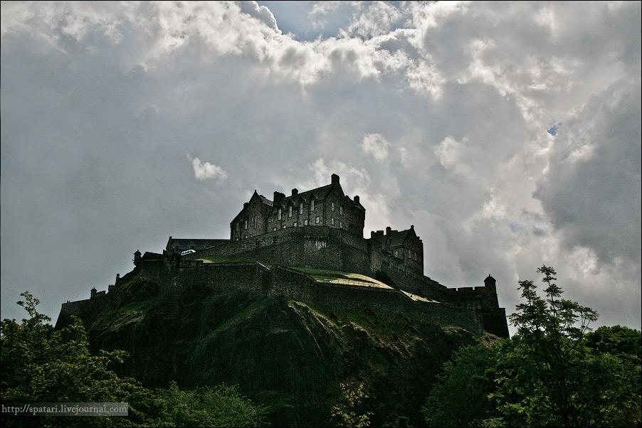 35) Эдинбург – сердце и древняя столица Шотландии с почти полумиллионным населением. По праву считается одним из красивейших и самых колоритных городов Соединенного Королевства.