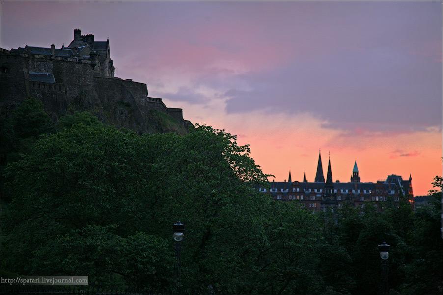 33) Эдинбургский университет, крупнейшее высшее учебное заведение Шотландии, был основан указом короля Иакова I в 1583 г., являясь таким образом четвертым по дате основания в Шотландии — после Сент-Эндрюсского университета, университета Глазго и Абердинского университета.