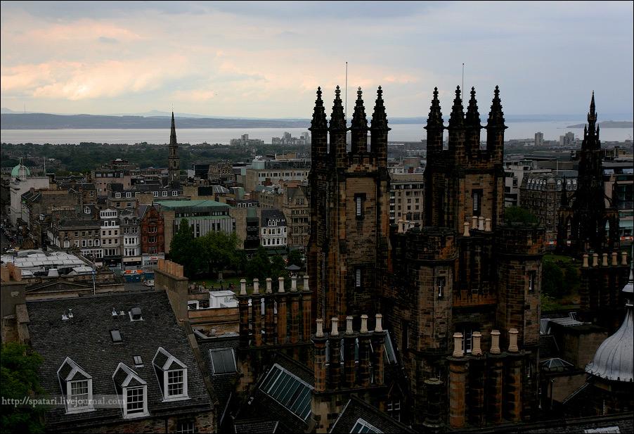 """26) Отчасти Эдинбург можно назвать """"наименее шотландским городом из всех городов Шотландии"""", отчасти из-за огромного влияния туризма, отчасти из-за близкого соседа – Англии, отчасти благодаря активному много культурному населению."""
